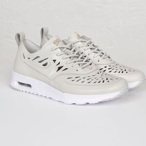 SALEE ❤️☀️☀️ Nike Air Max Thea Joli Qs size 6